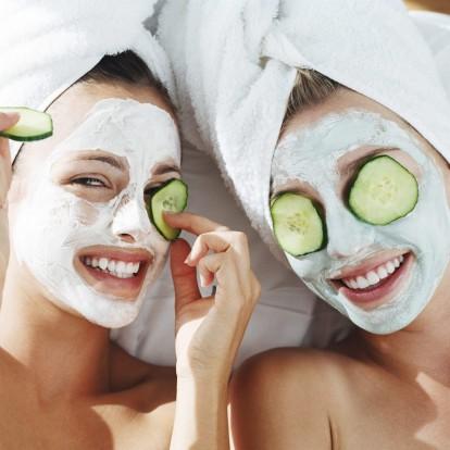 Λαμπερό δέρμα: Πώς να κάνετε μάσκες προσώπου με επαγγελματικό τρόπο