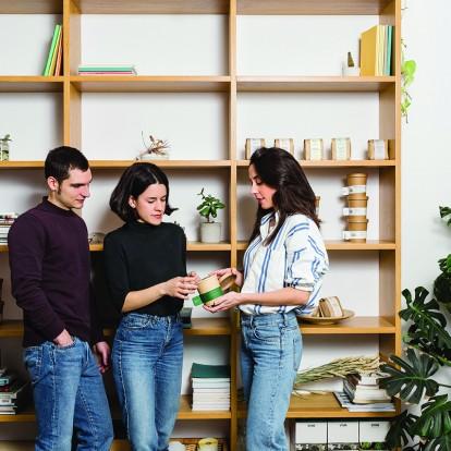 Μια ομάδα τριών νέων και δημιουργικών γεωπόνων από τη Θεσσαλονίκη συστήνει τη Rhoeco στους λάτρεις των βοτάνων