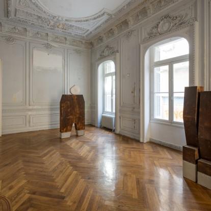 Ο Κωστής Βελώνης επανασυστήνει ένα ιστορικό κτίριο της Αθήνας
