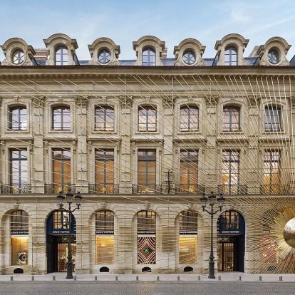 Mια ματιά στο ολοκαίνουριο flagship store του οίκου Louis Vuitton στο Παρίσι