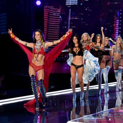 Victoria's Secret show: τα μοντέλα που έκλεψαν την παράσταση στη Σαγκάη