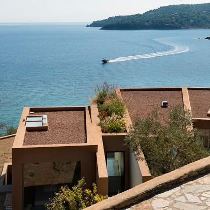 Το υπέροχο Aclhladies house στη Σκιάθο με θέα το Αιγαίο