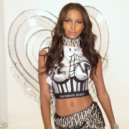 Δείτε το πρώτο look του Victoria's Secret x Balmain show