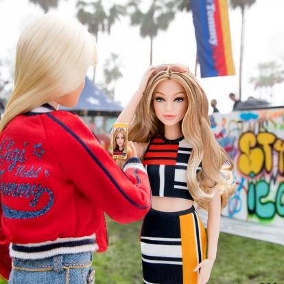 H Gigi Hadid έγινε Barbie με την υπογραφή του Tommy Hilfiger
