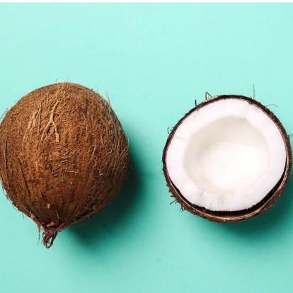 4 λόγοι για να εντάξετε το λάδι καρύδας στην beauty ρουτίνα σας