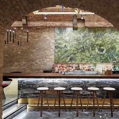Ένα κελάρι του 18ου αιώνα μετατρέπεται σε εντυπωσιακό bar