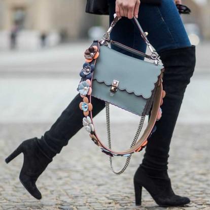 Thigh high boots: Πώς θα φορέσετε φέτος το απόλυτο must